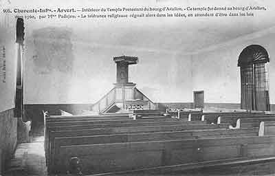 intérieur de la maison d'oraison d'Avallon
