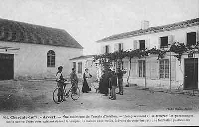 extérieur de la maison d'oraison d'Avallon en 1906