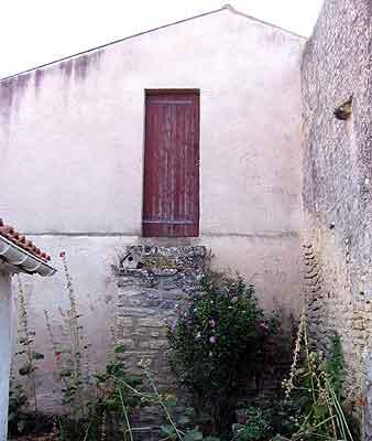 l'escalier de l'école protestante de Souhe
